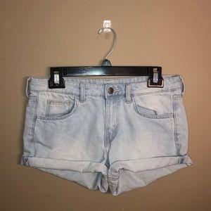 H&M Light wash Denim Shorts Size 6